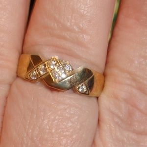 Mens or womens gold xx ring size 10
